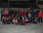 Csipet csapat a jégpályán